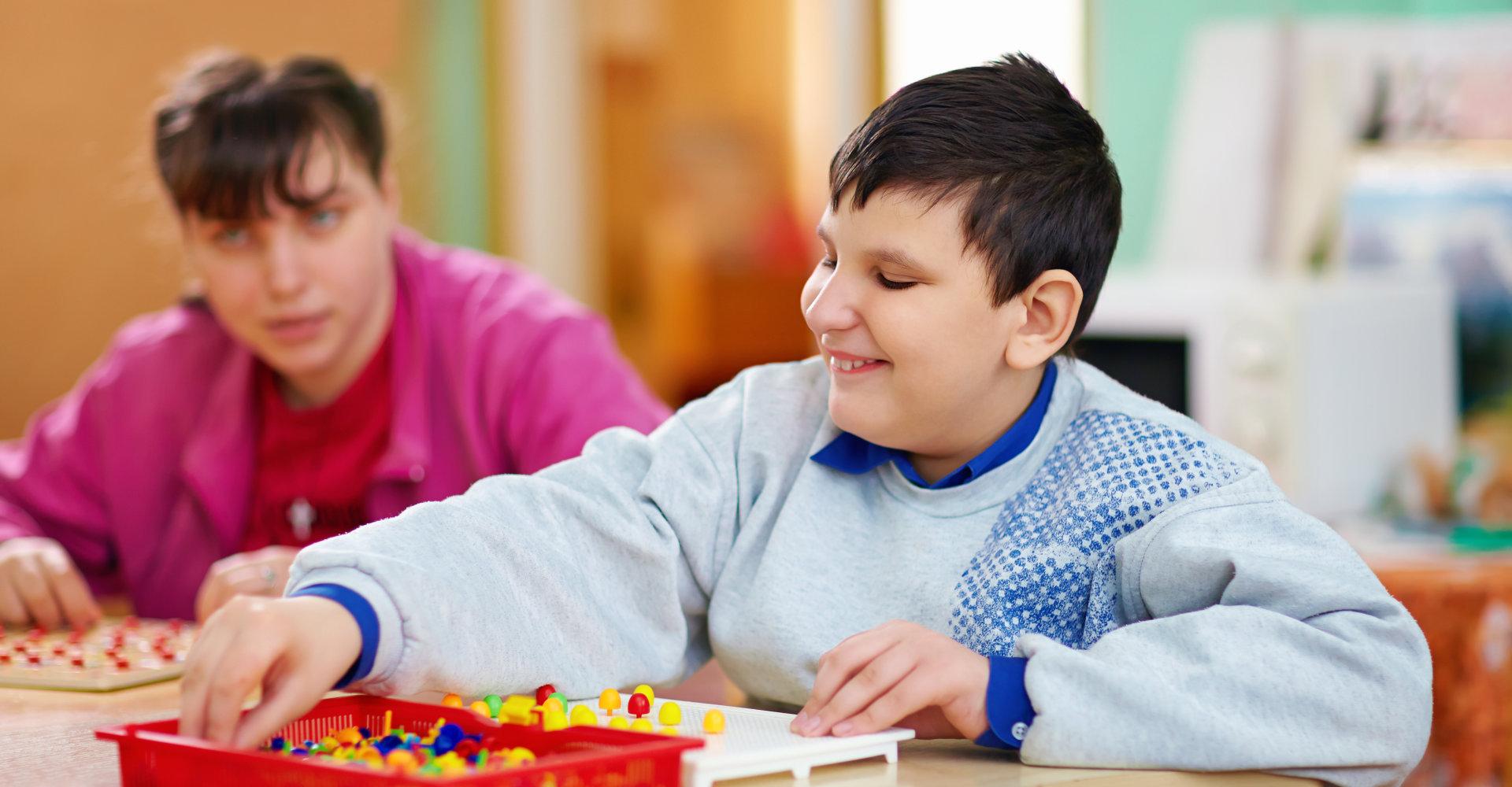 kids playing board games